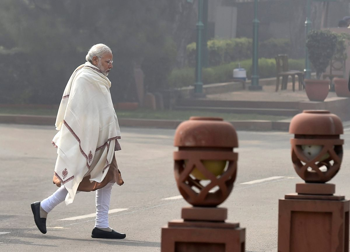 Modi's Worst Growth Year Puts Pressure on Budget to Spur Economy