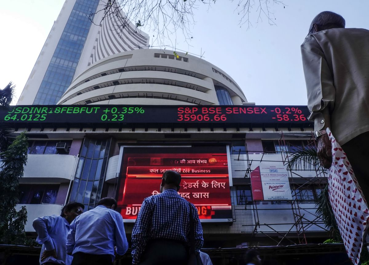 Sensex, Nifty Resume Decline After A Day's Breather