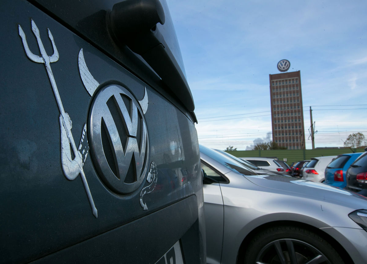 VW Straddles Old and New in Electric Buggy, Passat Face-off