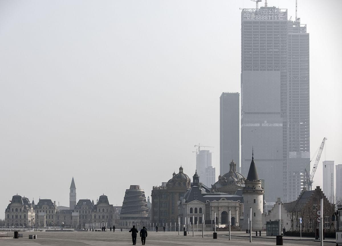 Sizing Up China's Debt Bubble: Bloomberg Economics