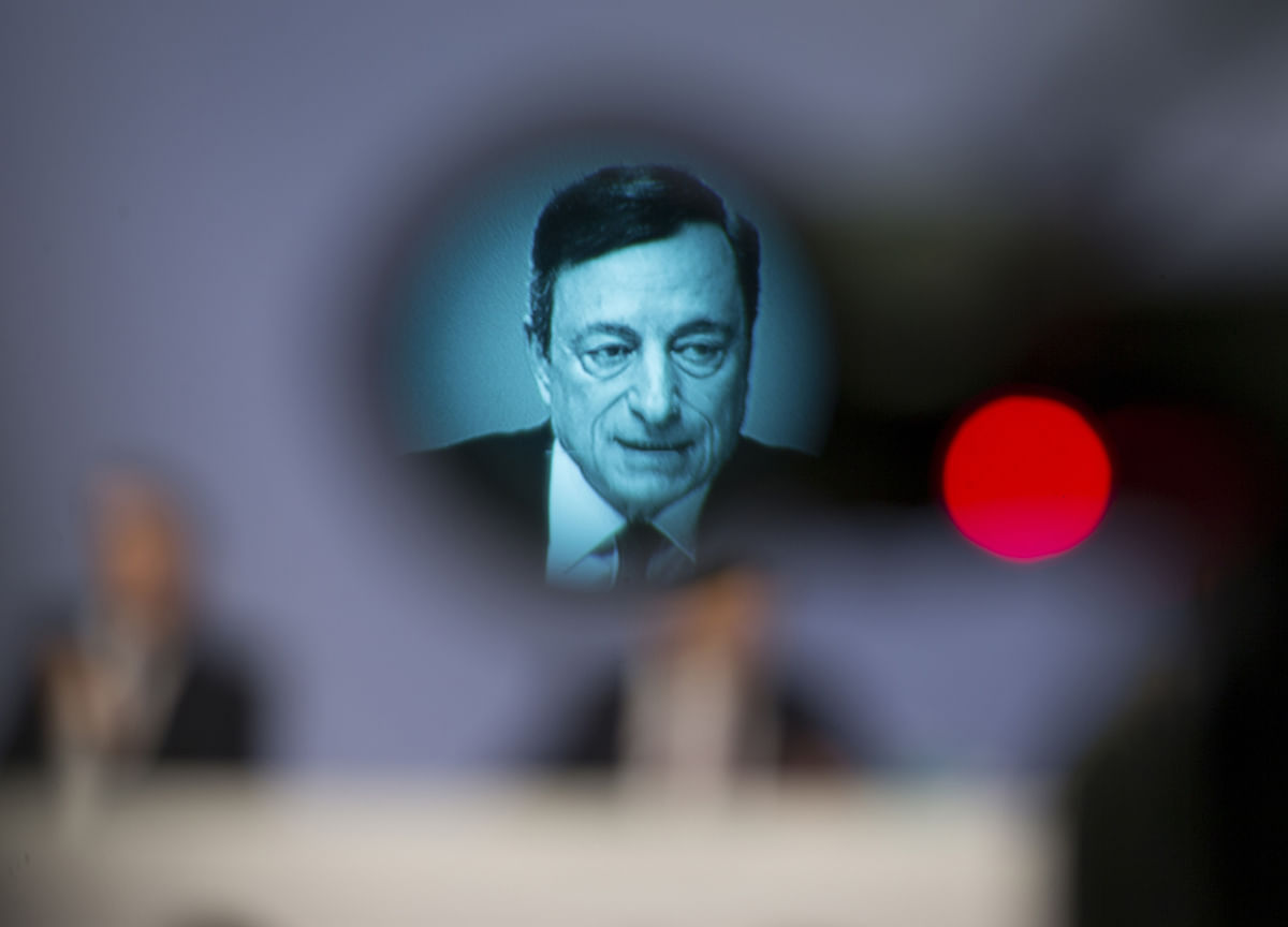 Draghi Welcomes Easing of Trade Tension to Keep Economy on Track