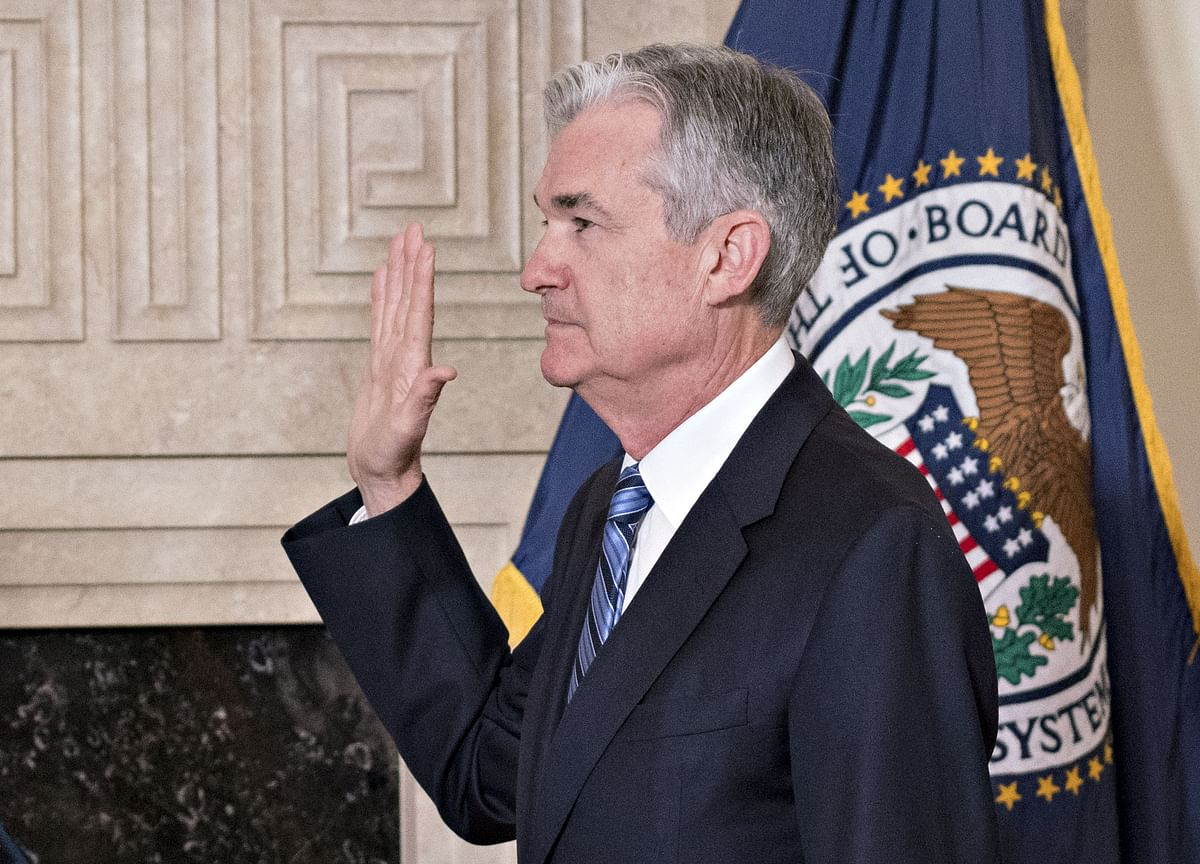 Powell Enters Era of Rate-Hike Caution as Growth Headwinds Mount
