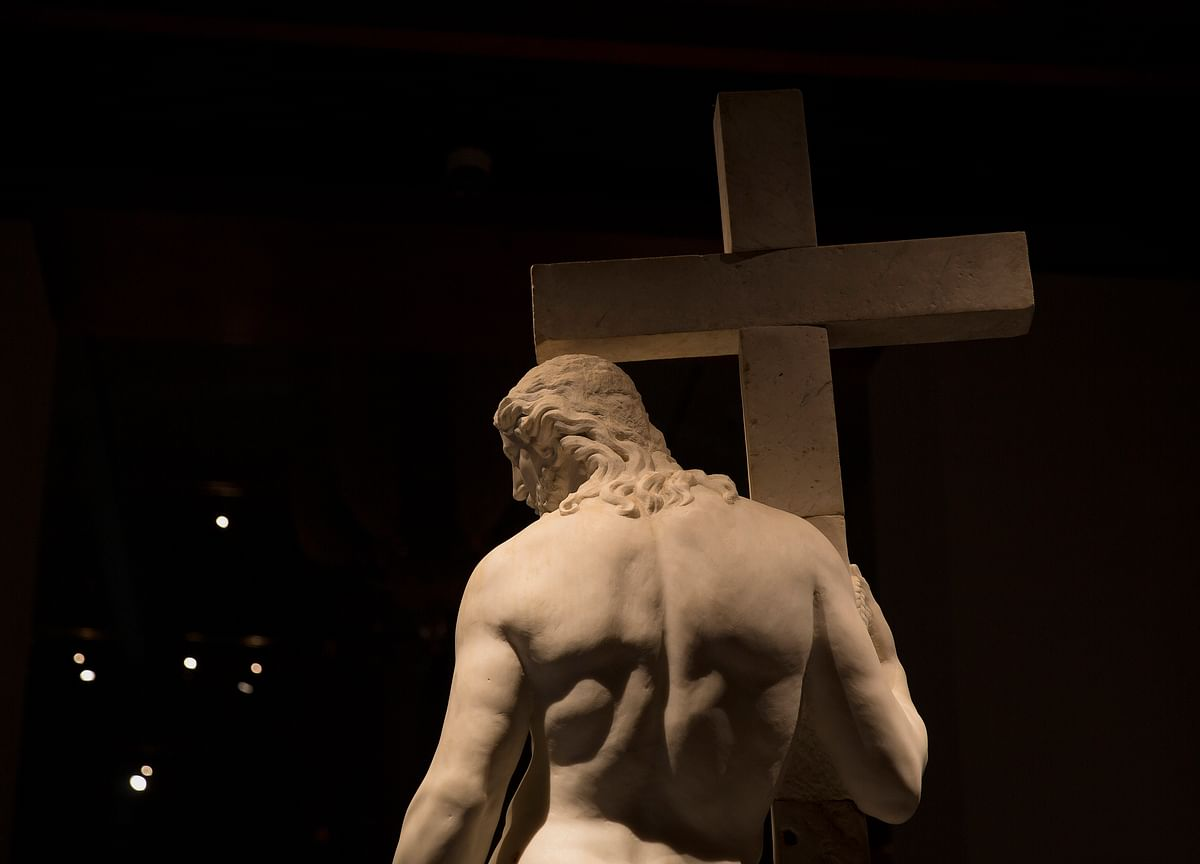 Michelangelo Beats Koons, McQueen, as Met Attendance Tops 700,000