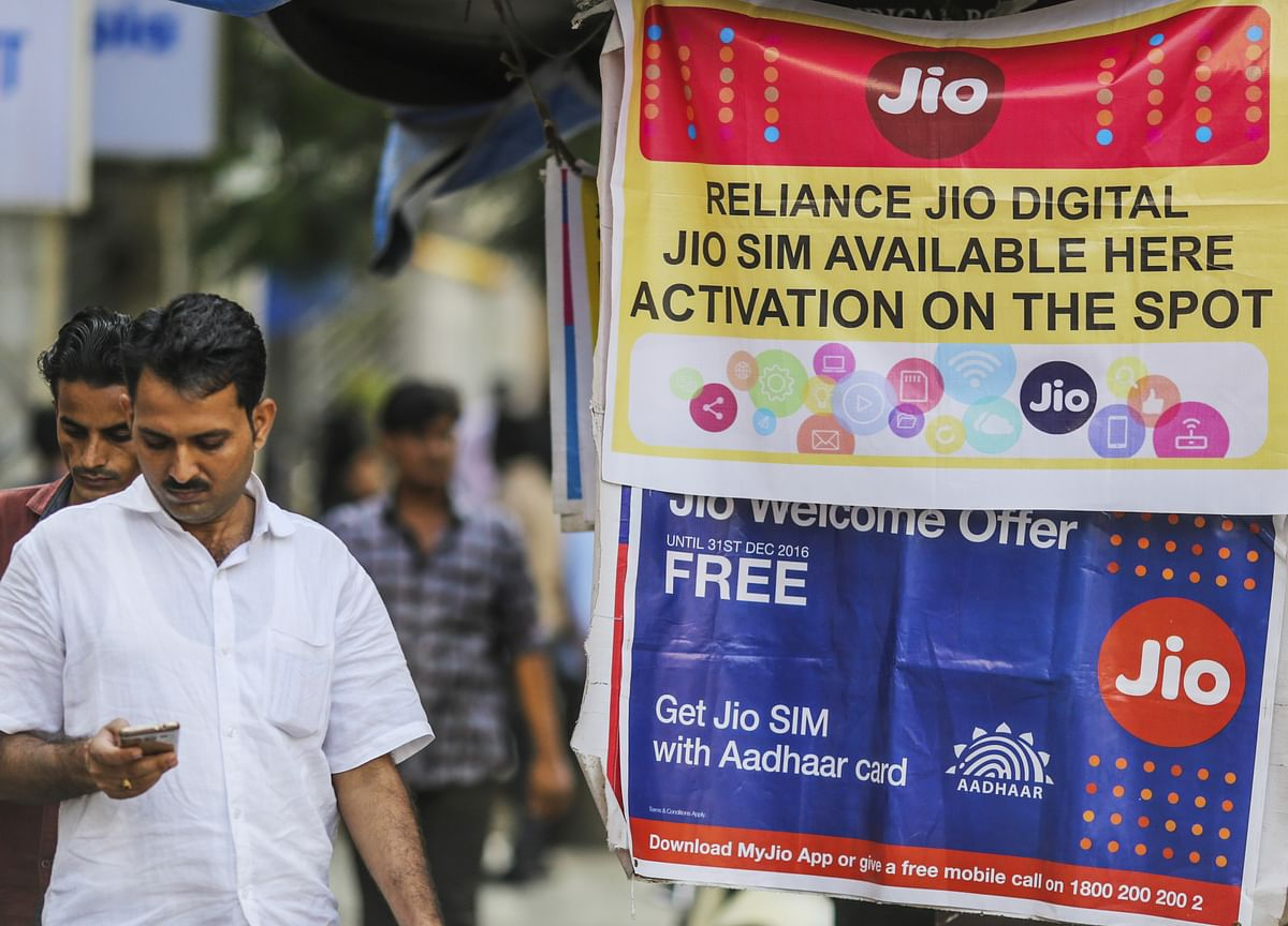 Reliance Jio Adds Over 1 Crore Customers In October Even As Airtel, Vodafone Idea Shed Users