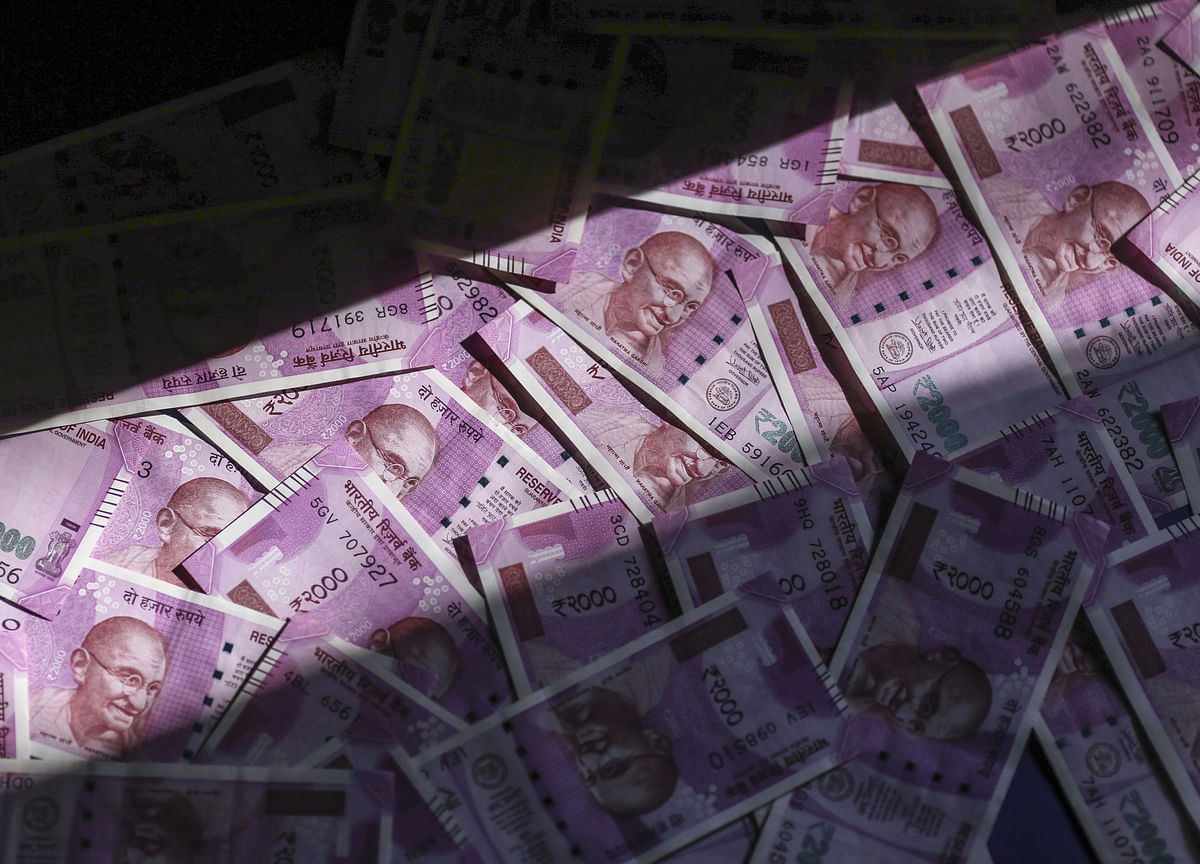 Wave of Foreign Money Threatens India's Tight Grip on Rupee