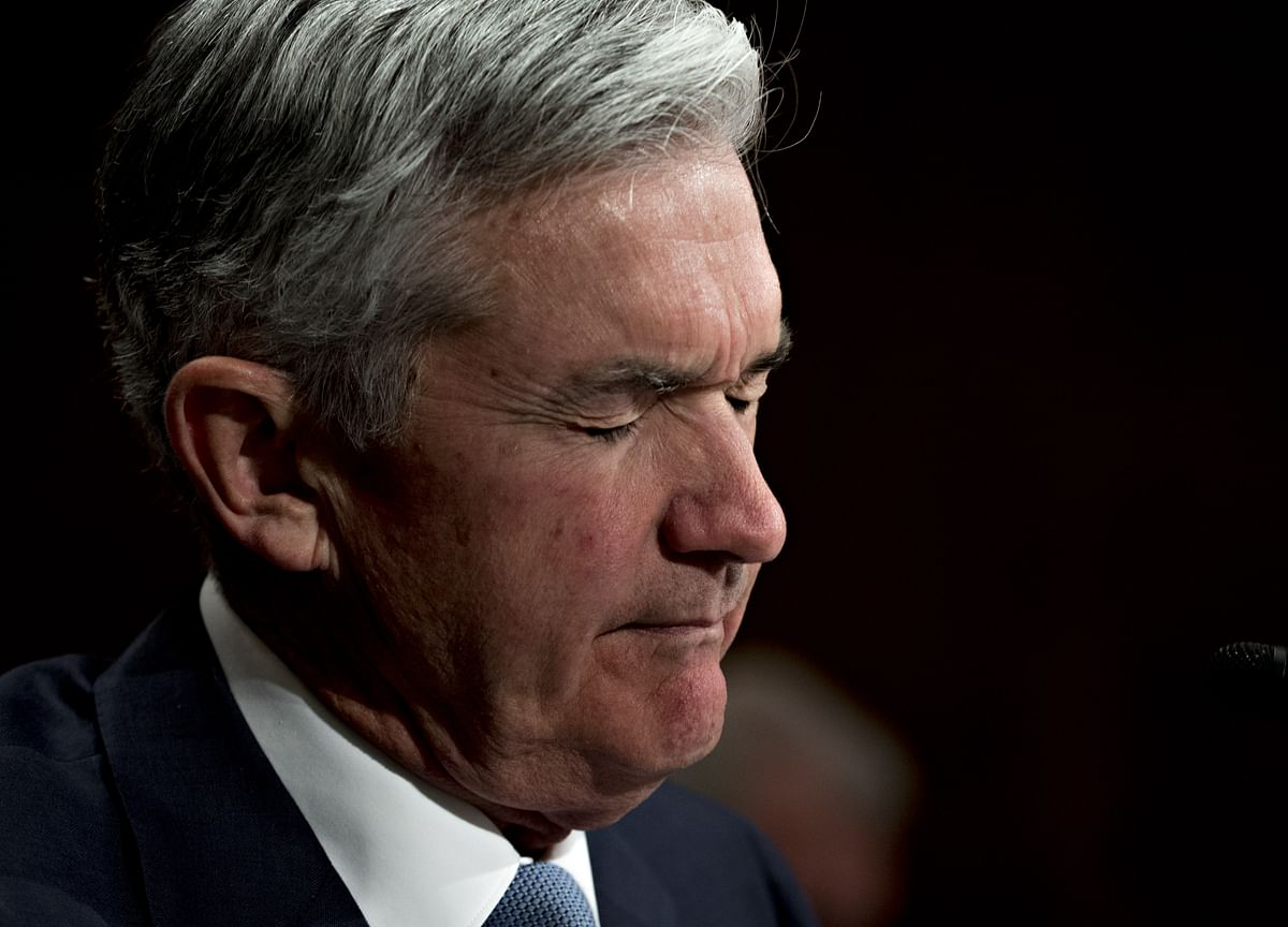 Powell's Fed Sees Lower Long-Run Rate Outlook as Growth Dims