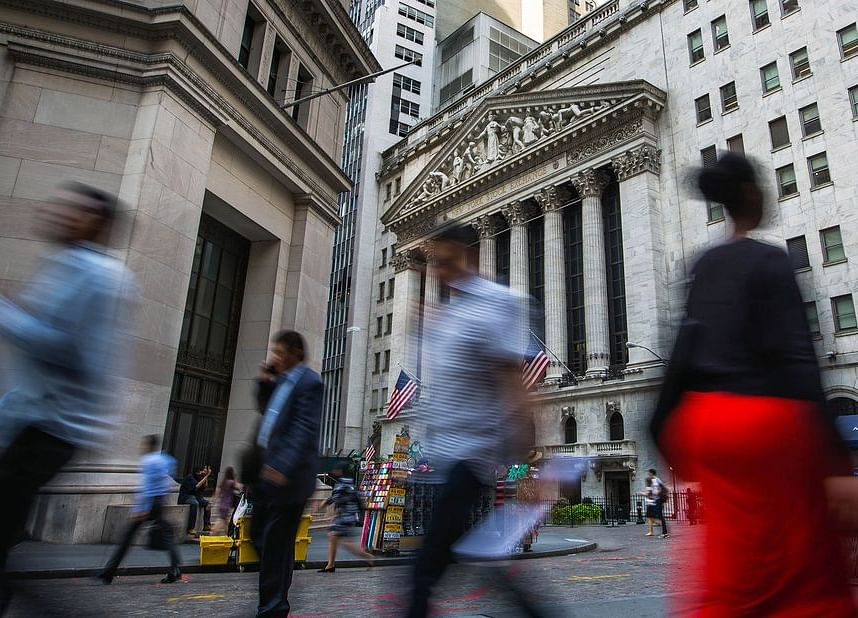 Bubble Warnings Go Unheeded as Everyone Is a Buyer in Stocks