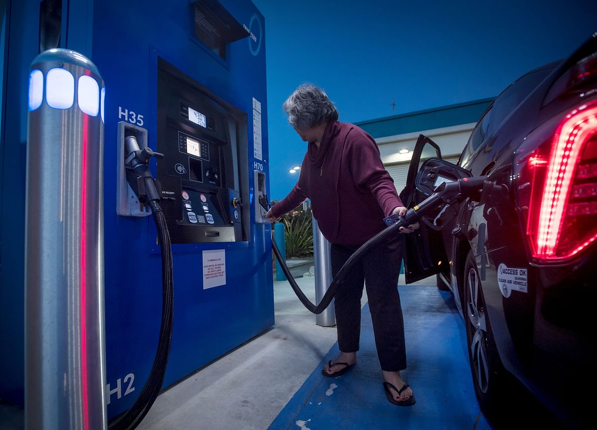 The Hydrogen-Powered Car's Big Setback