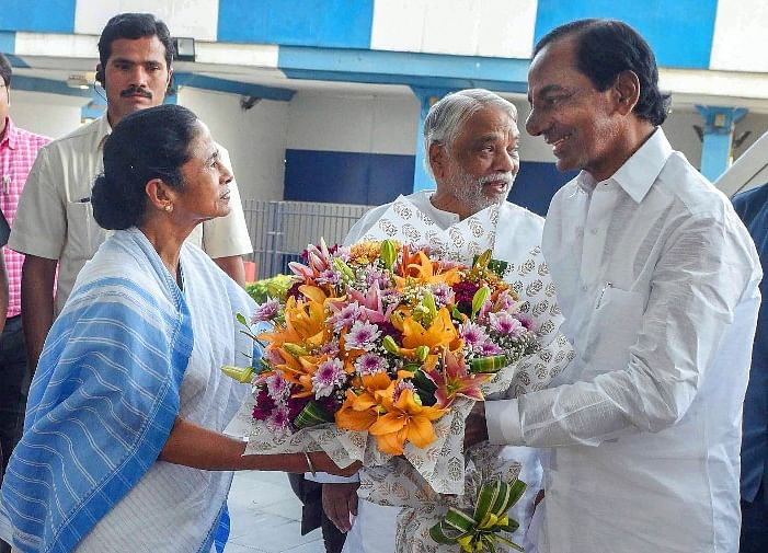 KCR, Mamata Banerjee Discuss Federal Front, To Talk To Like-Minded Parties