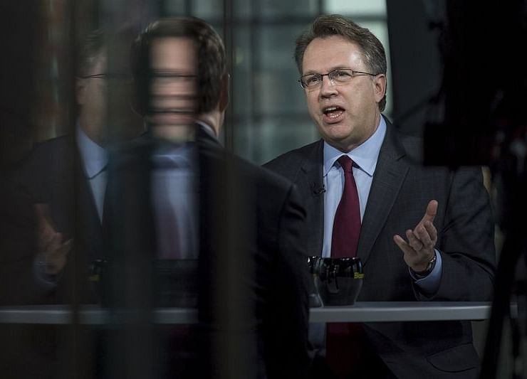 Williams Says Fed Shouldn't Be Afraid to Invert the Yield Curve