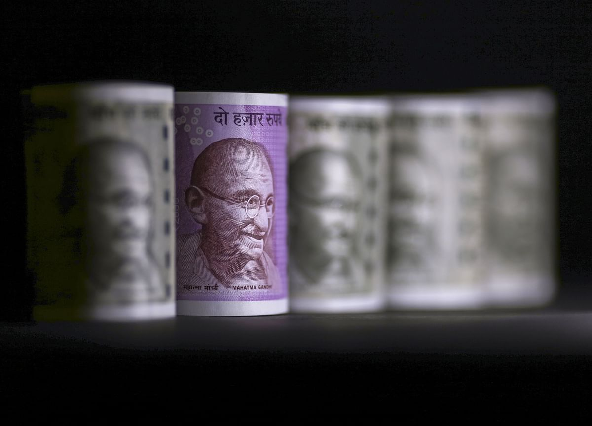 Rupee Rout Prompts India to Raise Taxes on $12 Billion of Goods