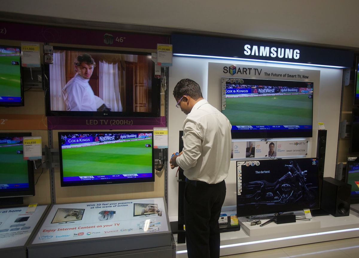 Indians' Love for Electronics Is a Current-Account Shocker