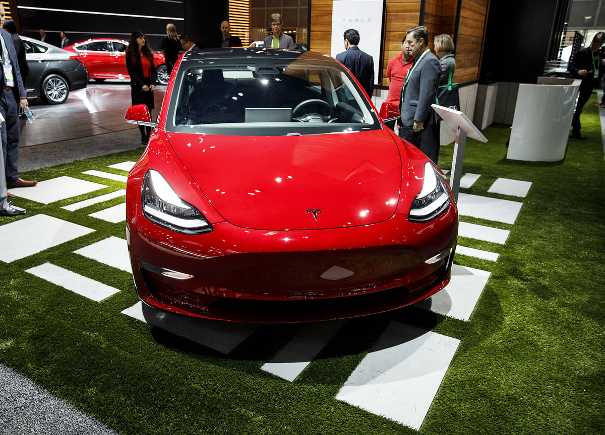 Tesla Shows Signs of a Model 3 Surge