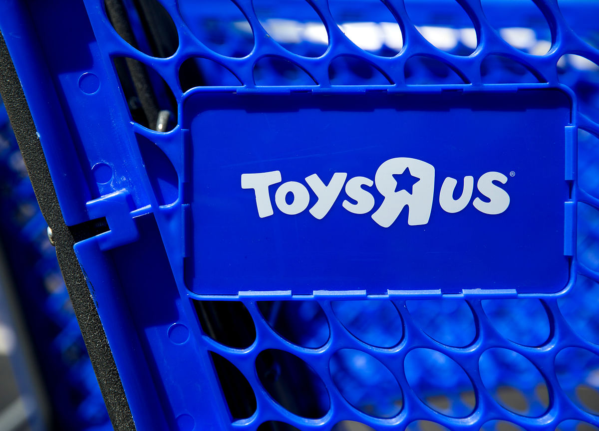 Charles Lazarus, Founder of Fading Toys 'R' Us, Dies at 94