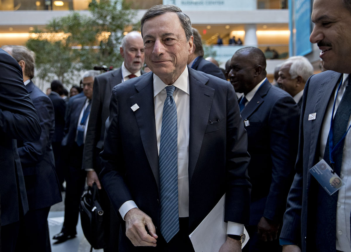 Draghi Sees Brexit Negotiations Ending in Gradual Transition