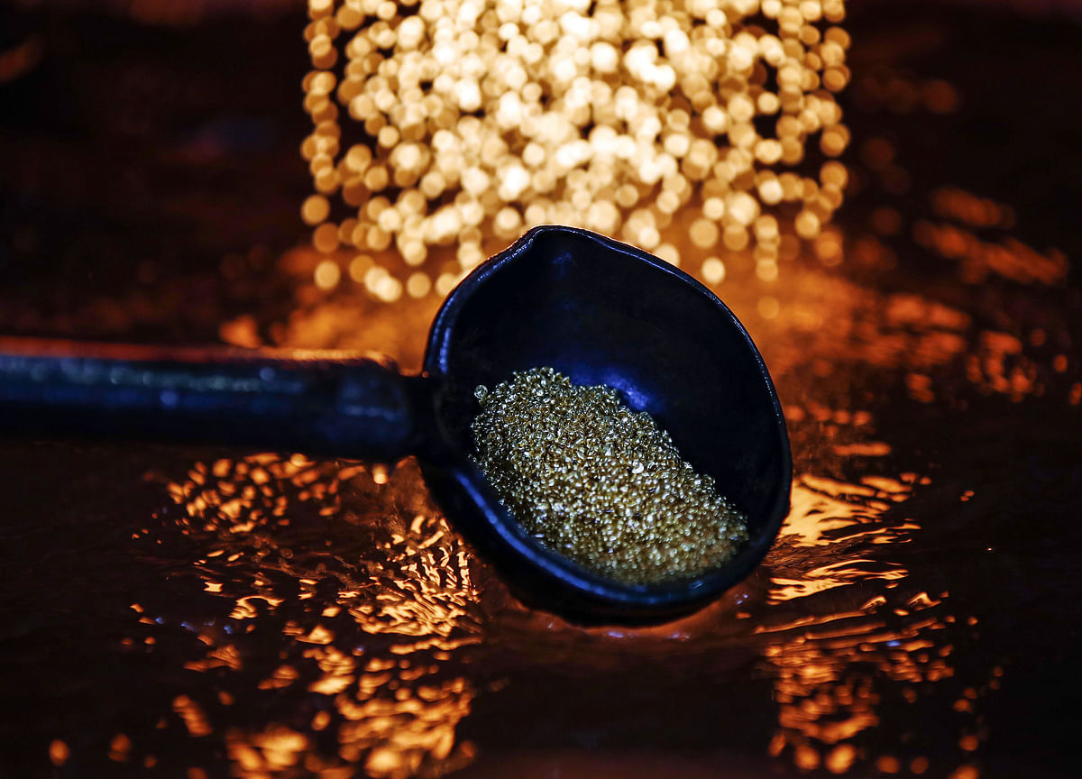 Gold Rebounds as Dollar Drop Blunts Yellen Inflation Comments
