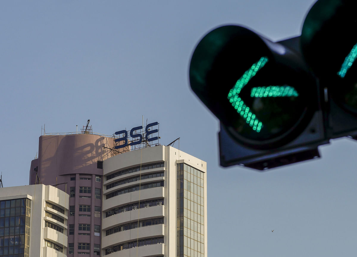 Sensex, Nifty Extend Record Led By RIL, HDFC Twins