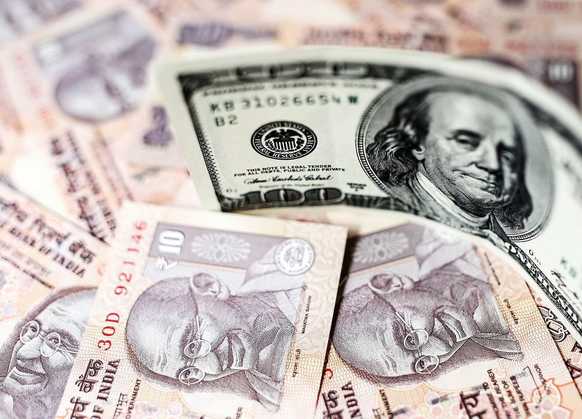 First Indian Dollar-Swap Since 2013 Lures Double Amount on Offer