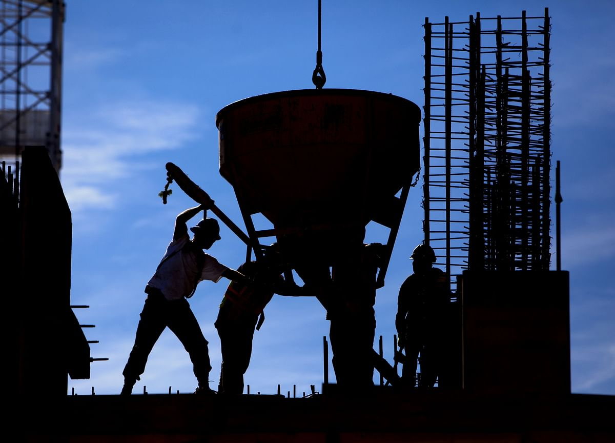 Why UltraTech Cement Lags Large-Cap Peers Despite Robust Quarterly Profit