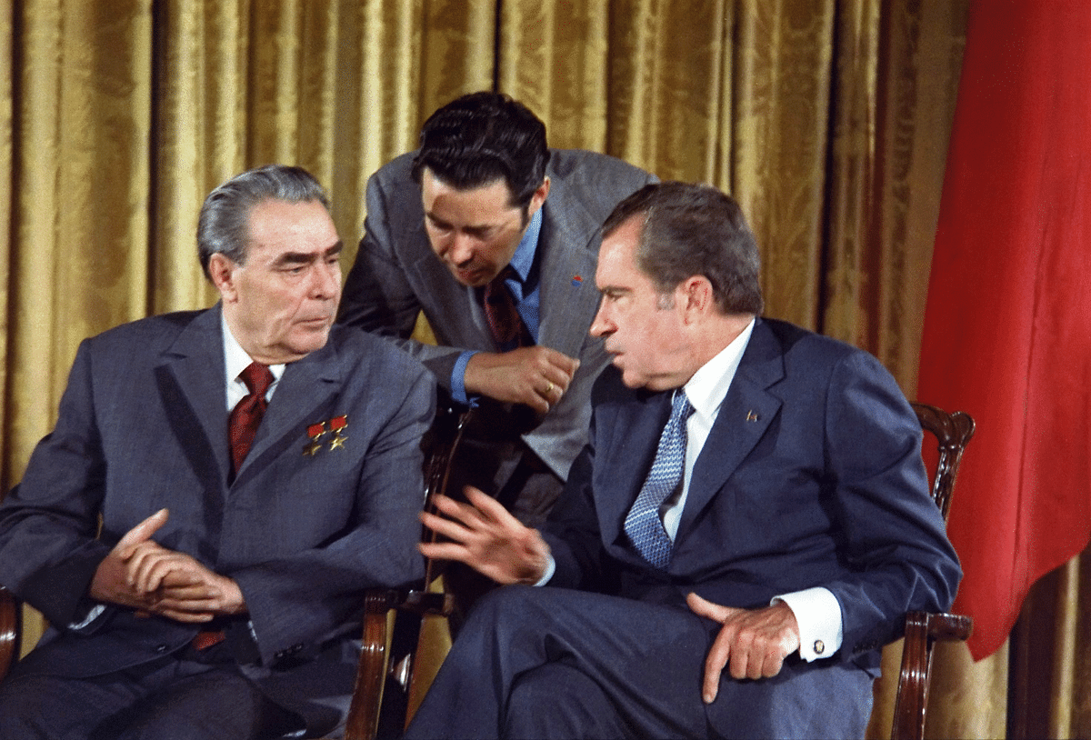 U.S. President Richard Nixon and Leonid Brezhnev meeting during the Soviet Premier's visit to the U.S., on June 19, 1973. (Photograph: U.S. National Archives and Records Administration)