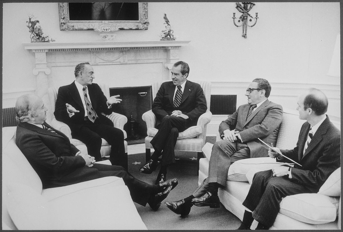 U.S. President Richard Nixon and Secretary of State Henry Kissinger meet diplomats from Egypt and Saudi Arabia, at the White House in Washington D.C., on February 19, 1974. (Photograph: U.S. National Archives and Records Administration)