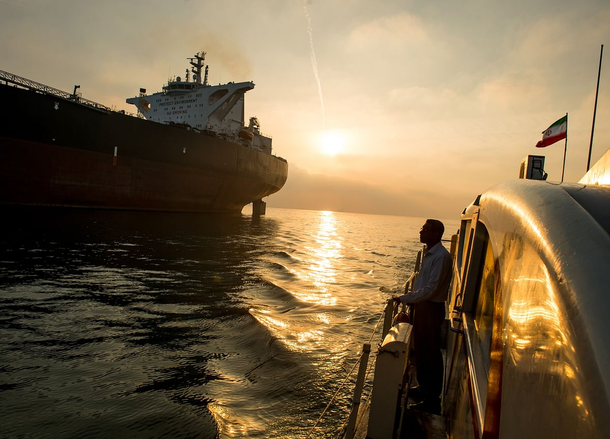 U.S. to Give EightNations Oil Waivers Under Iran Sanctions, Official Says