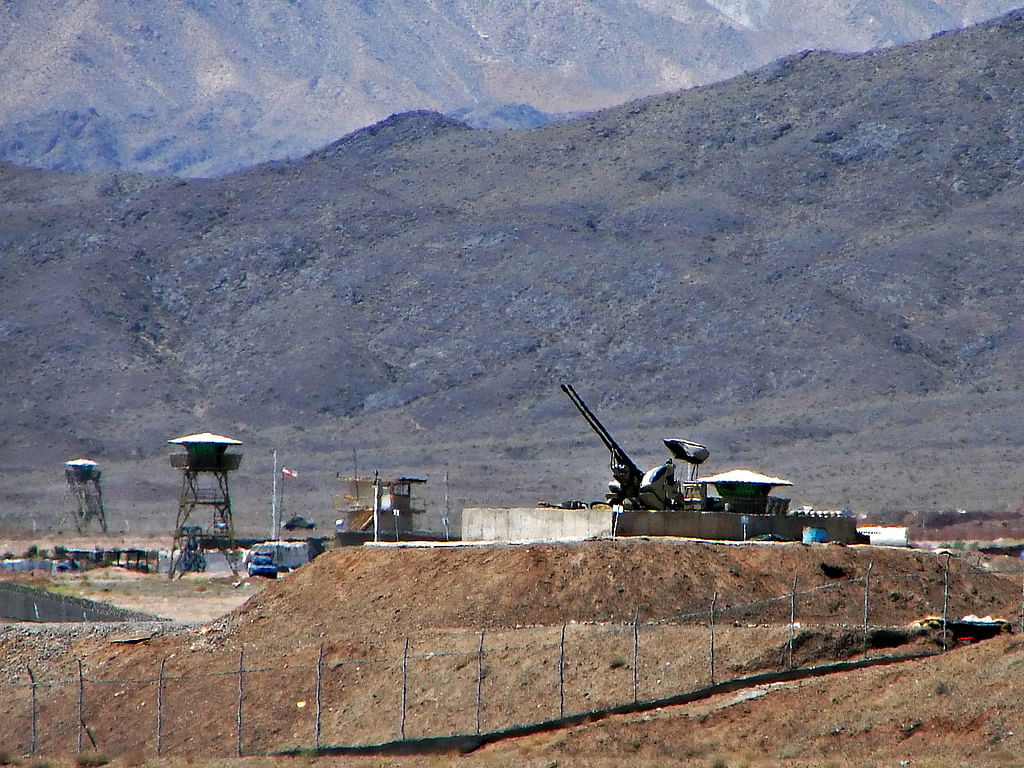 """Anti-aircraft guns guarding the Natanz Nuclear Facility, Iran, on June 22, 2006. (Image: Wikimedia Commons /<a href=""""https://www.flickr.com/photos/hamed/237790717"""">Hamed Saber</a>)"""