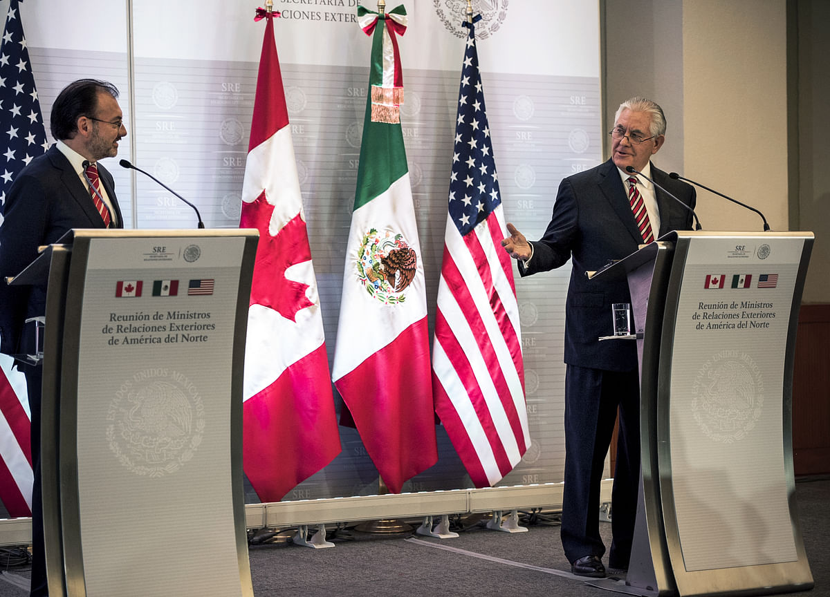 U.S. Dashes Hopes for Quick Nafta Deal Amid `Gaping' Differences