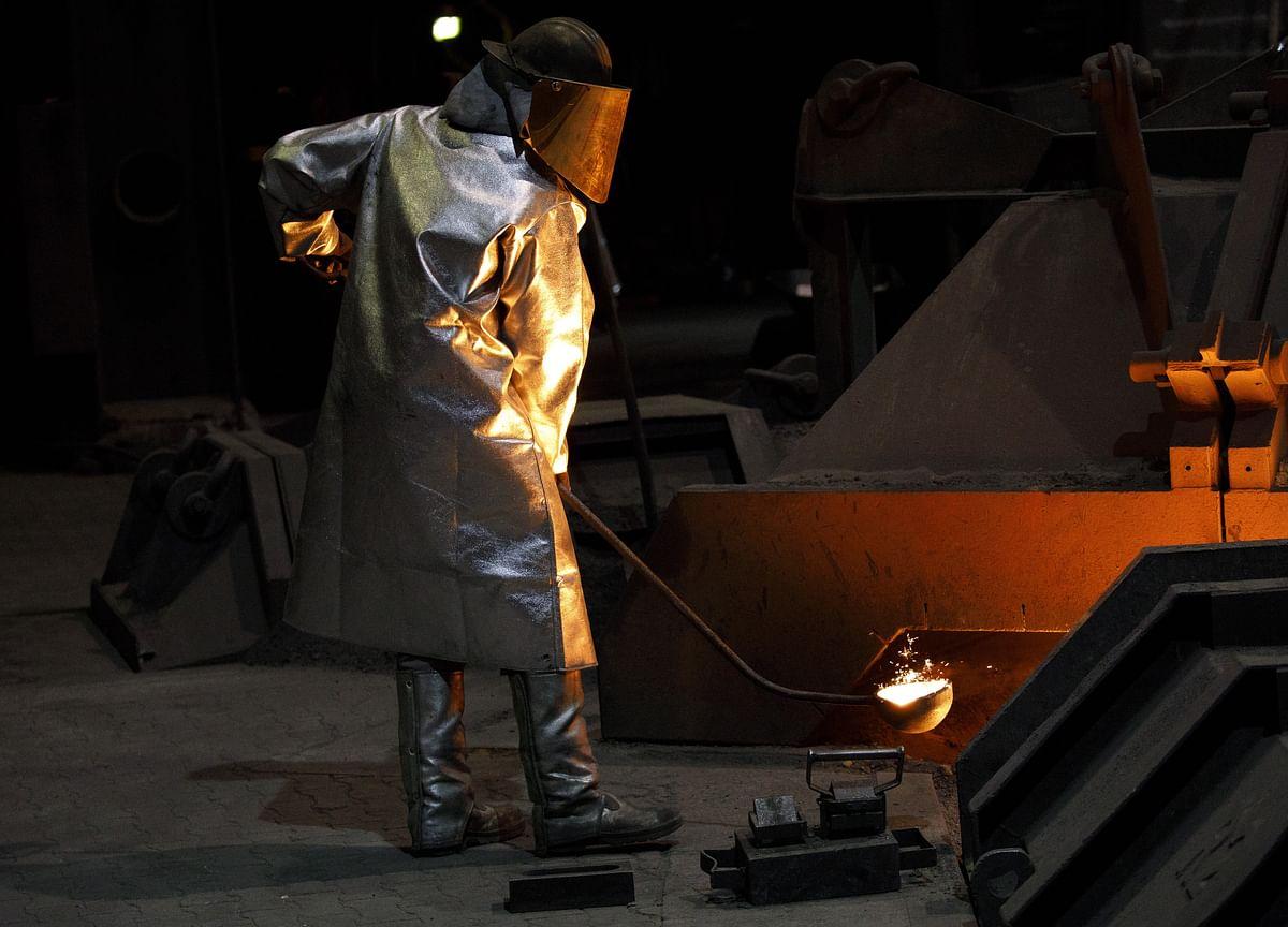 Bloomberg Industrial Metals Gauge Falls To Lowest In 17 Months
