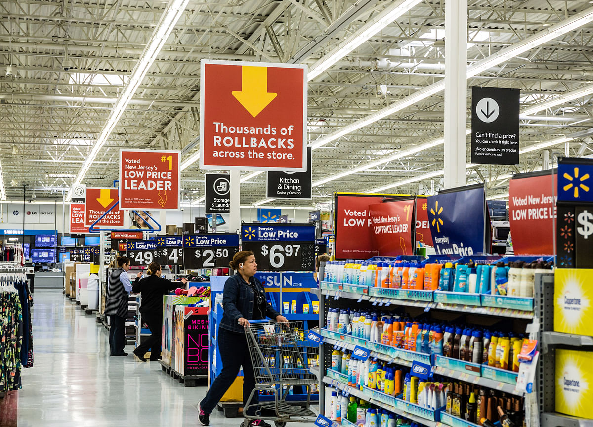 Walmart Jumps Most in a Year as Retailer Shrugs Off Trade War