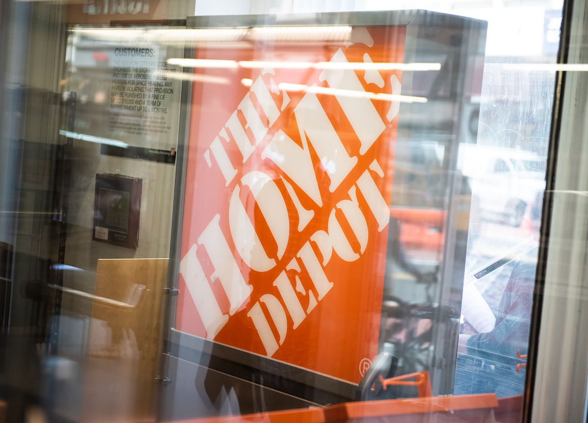 Buried in Musk Job Cuts Memo: End to Home Depot Solar Sales