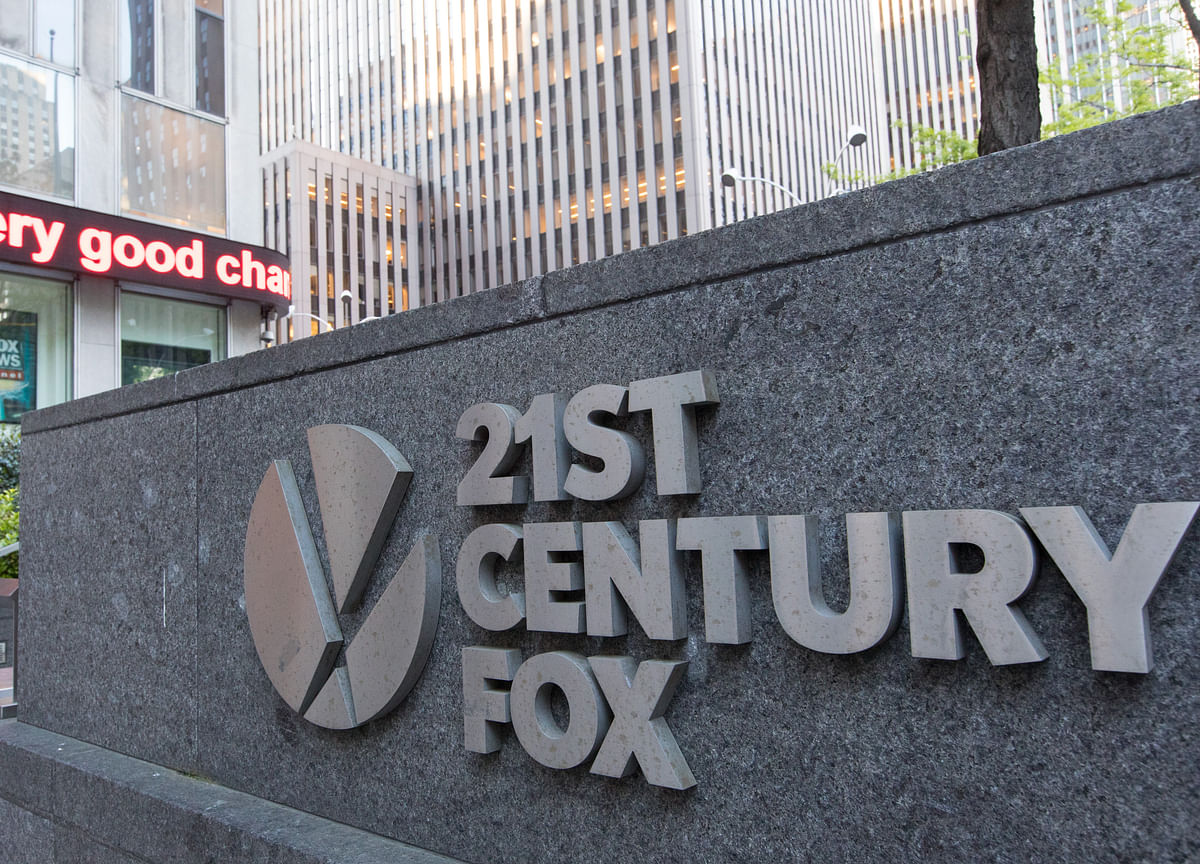 Fox Board Is Said to Weigh $65 Billion Comcast Bid on Wednesday