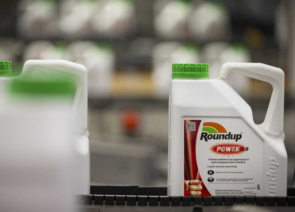 Monsanto Faces Man Dying of Cancer in Roundup Trial