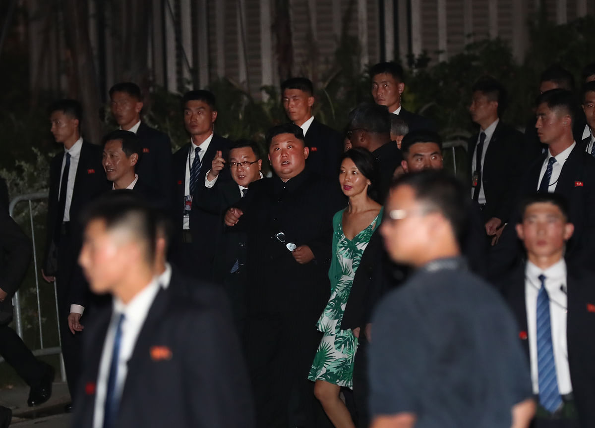 Kim Jong Un Surprises Crowds in Singapore With Late-Night Tour