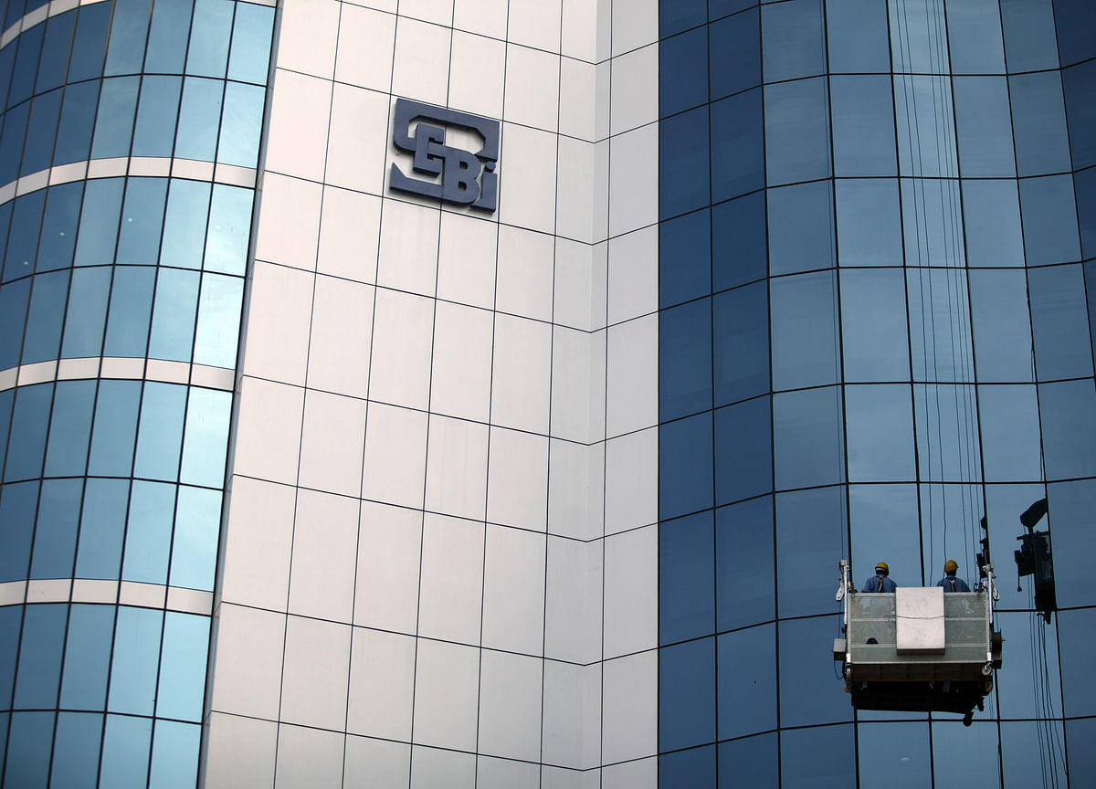 SEBI Panel Proposes To Relax  Foreign Fund Ownership Rules