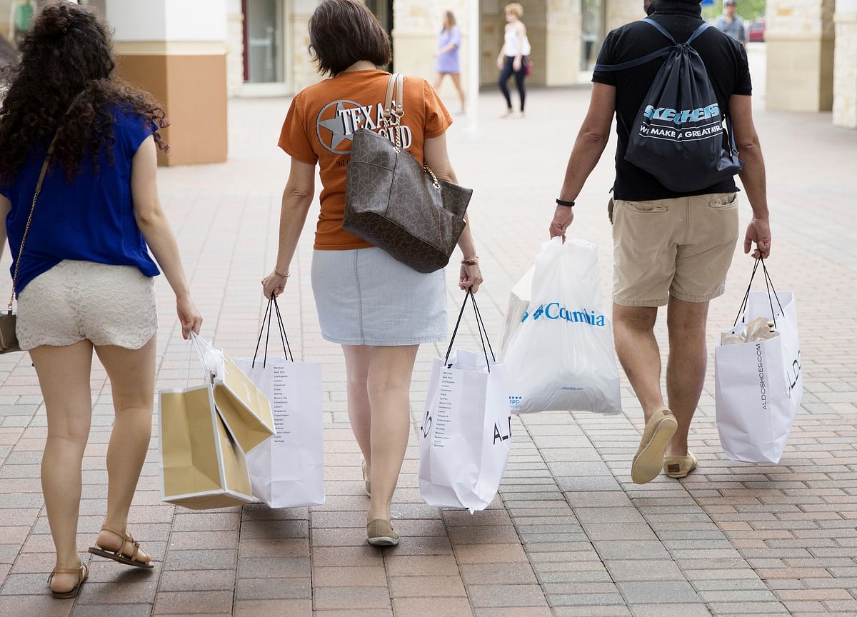 U.S. Consumer Confidence Rises to Highest in Almost 18 Years