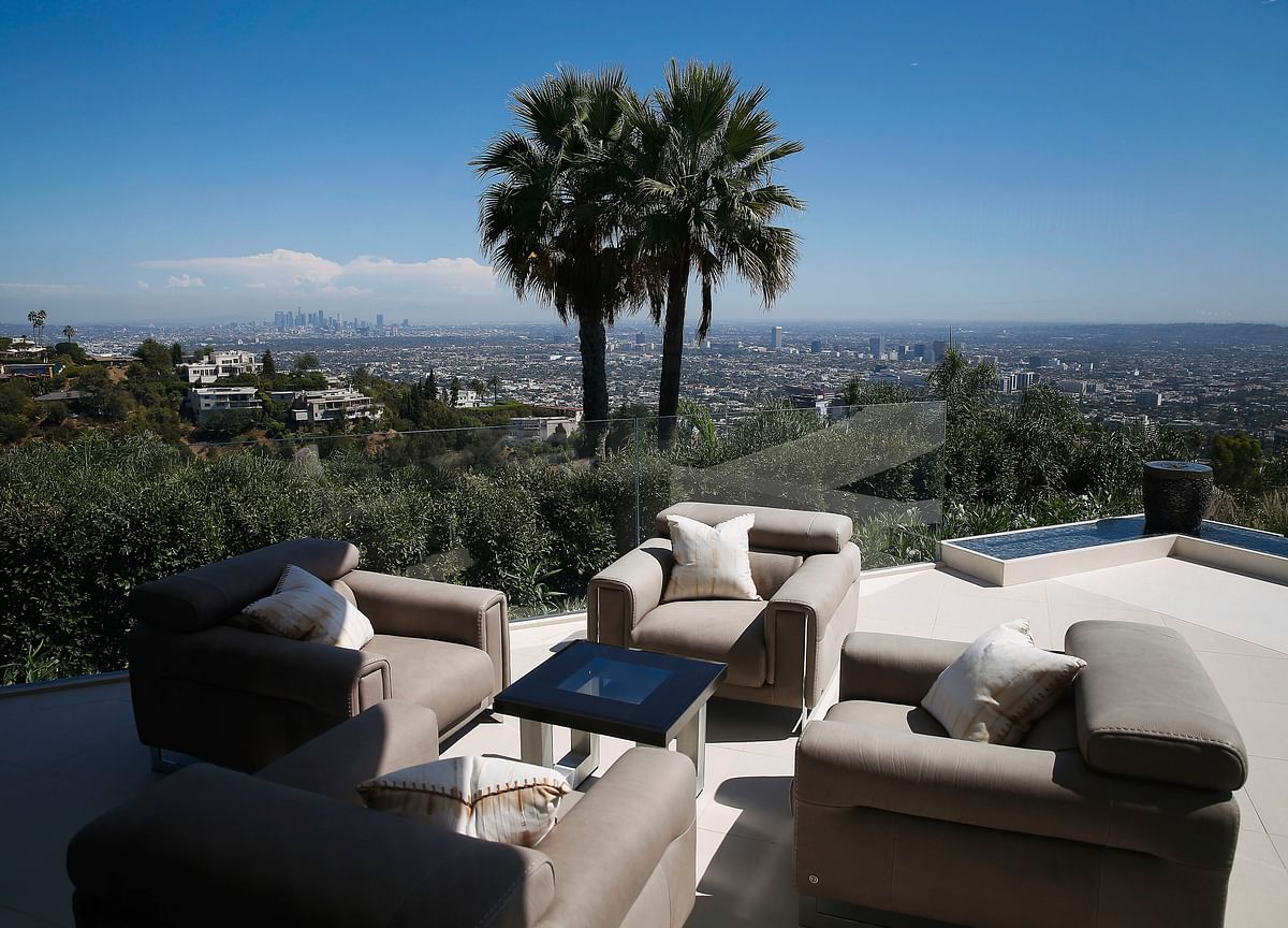 There Is a $1 Billion Propertyfor Sale Atop Beverly Hills