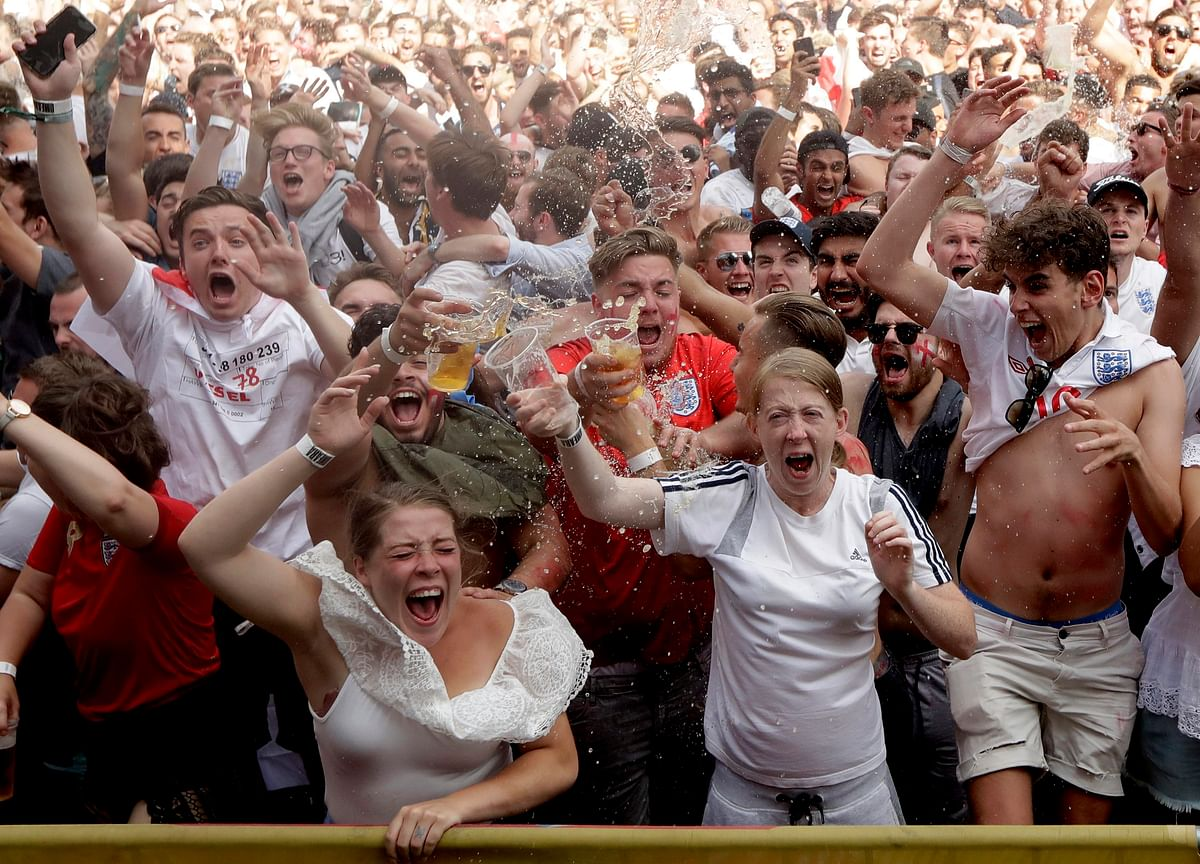 World Cup Fever Fuels U.K. Spending on Televisions, Pub Drinks