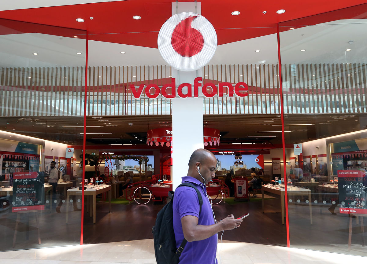Vodafone Surges on Report Activist Elliott Took Stake in Carrier