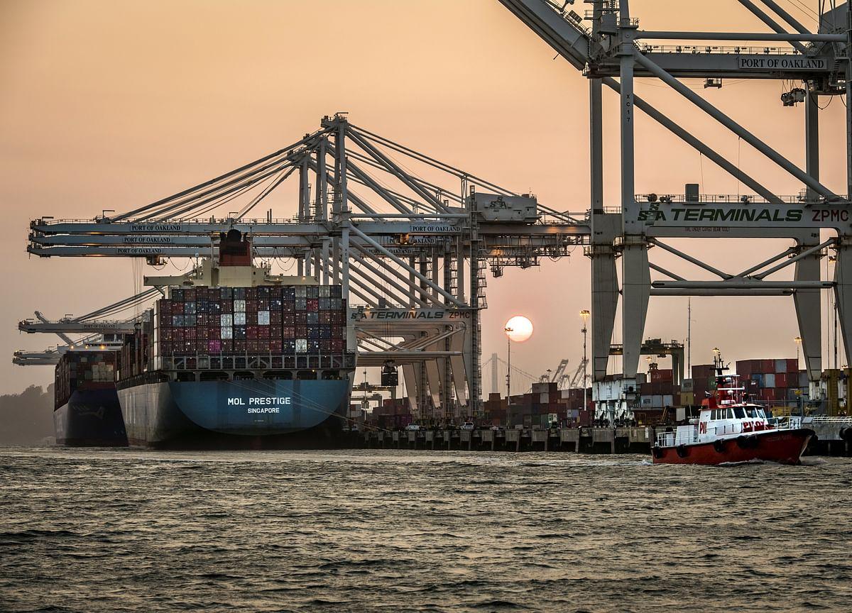 U.S. January Trade Gap Narrows as Imports From China Plummet