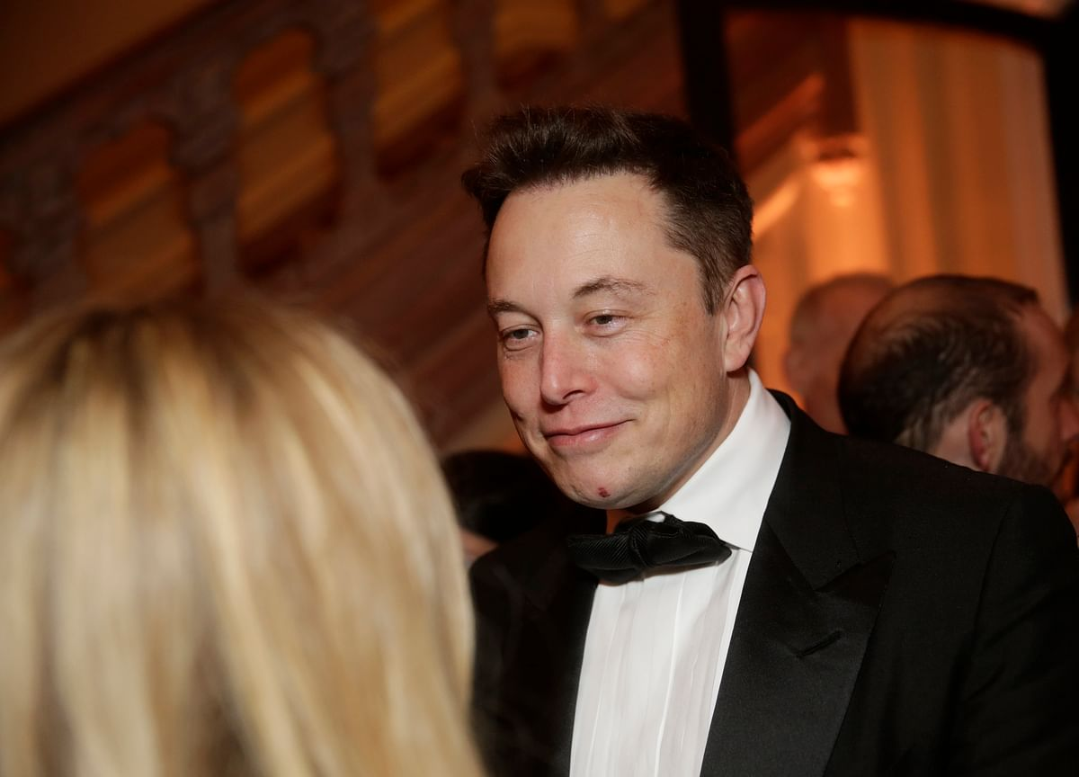 Musk's Rants Rekindle Concern About CEO's Troublesome Tweets