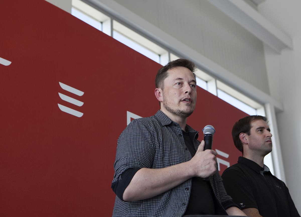 Here's What Analysts Are Saying After Elon Musk's Latest U-Turn