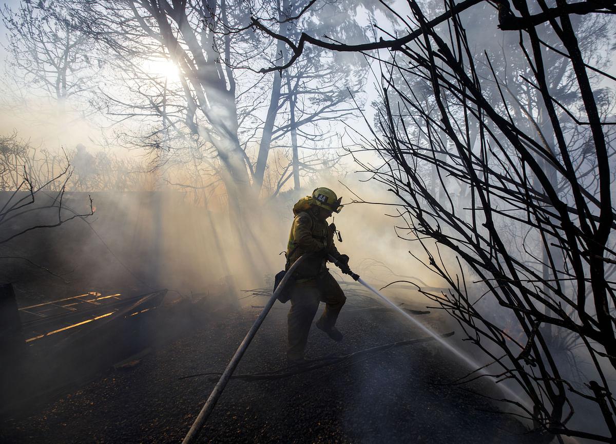 As California Burns, Smoke Blankets U.S. From Pacific to Rockies