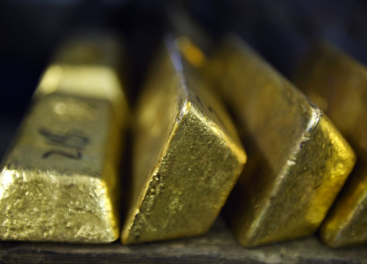 Gold Fades as World Gets Used to Bad News, Perth Mint Says