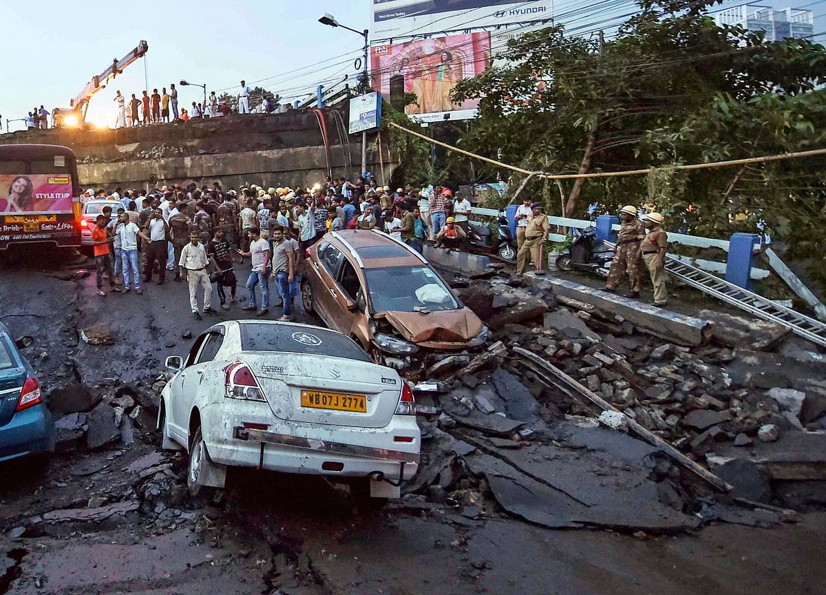 One Killed, Several Trapped As Bridge In Kolkata Collapses