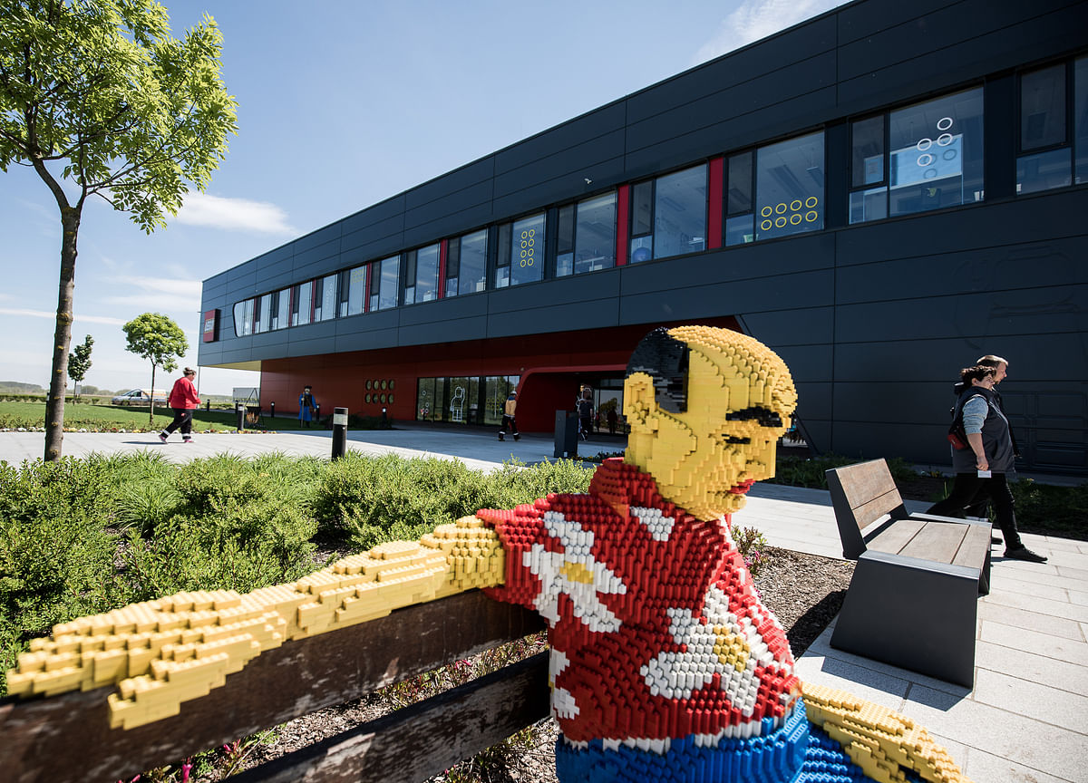Lego Unveils Record Sales as Toy Bricks Become a Lockdown Winner