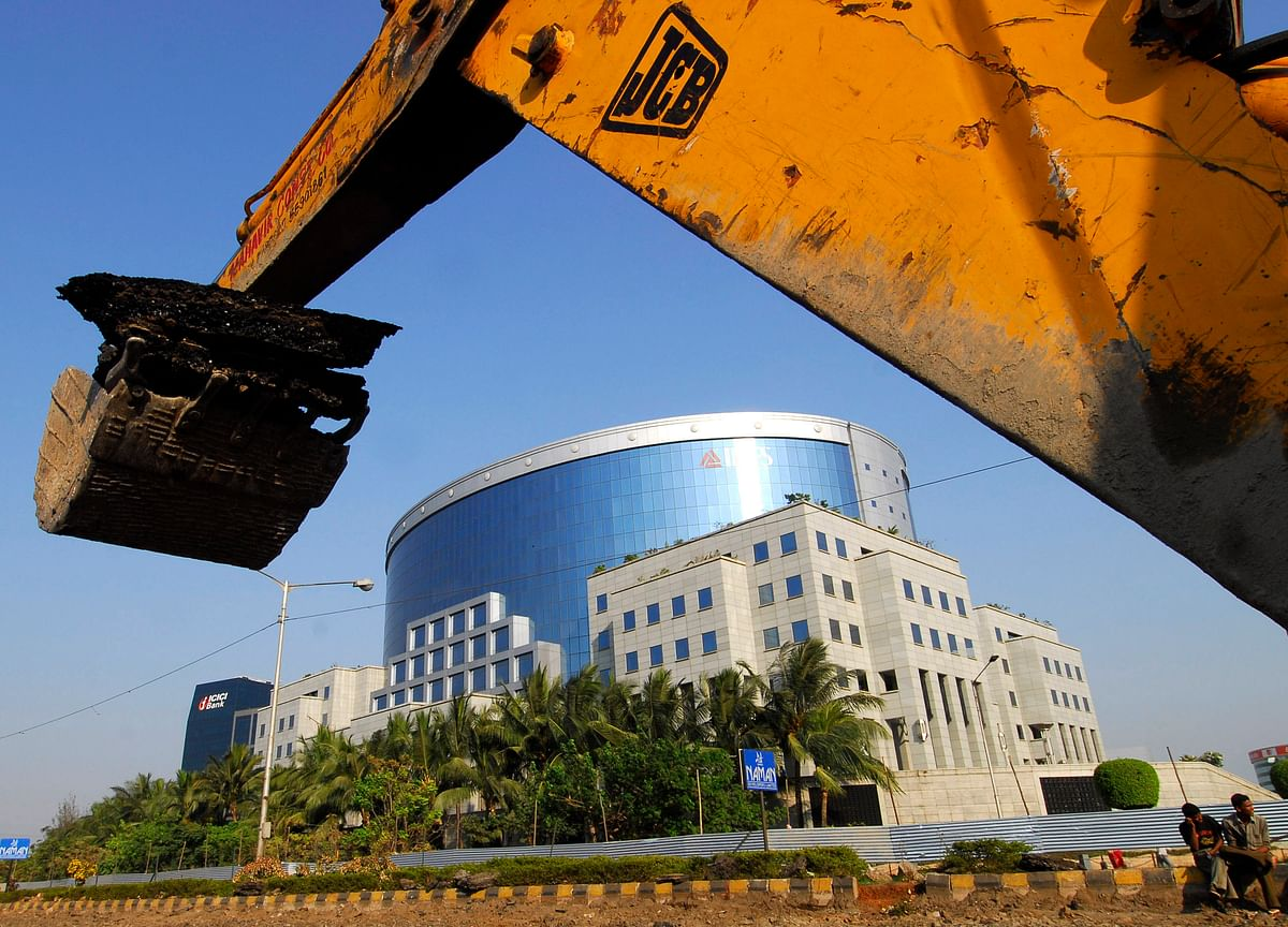 Indian Defaulter IL&FS Said to Seek $4.2 Billion in Asset Sales