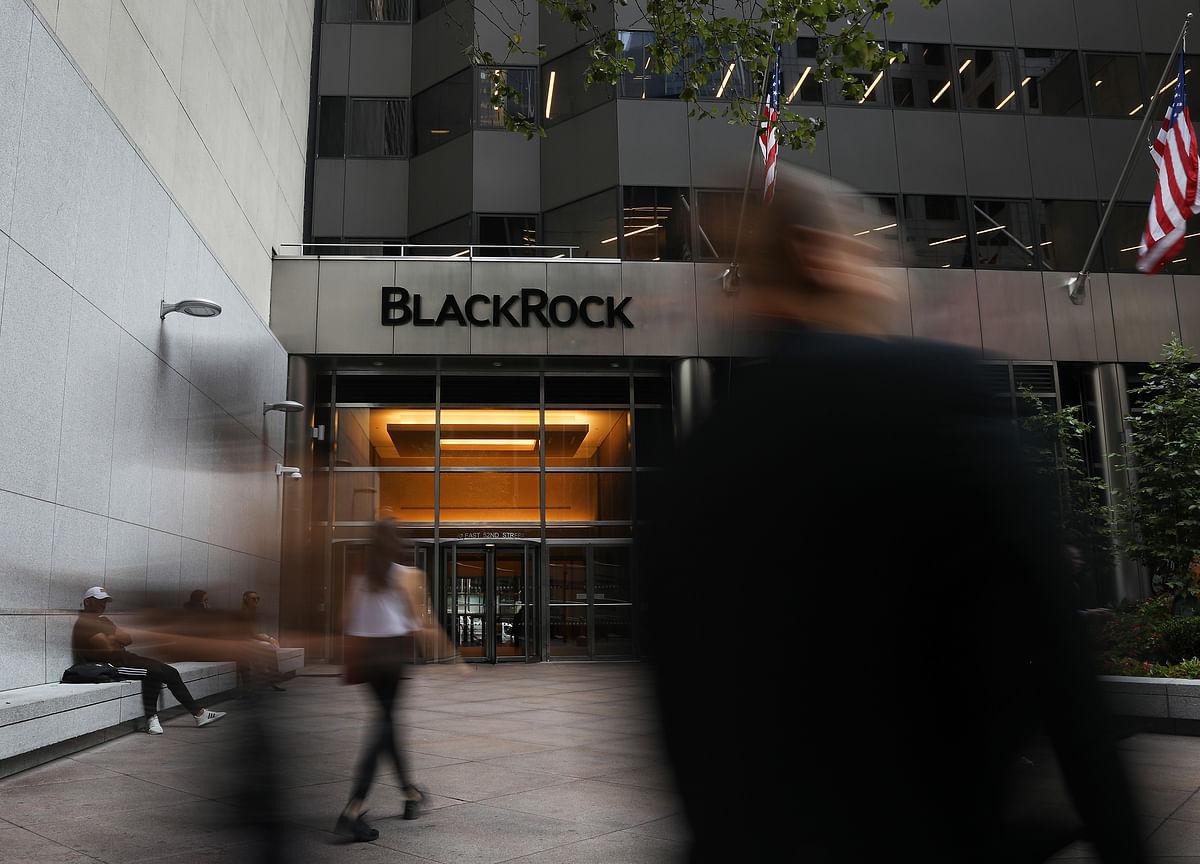 BlackRock Is Fighting a Secret Fee War for Junk-Debt ETF Assets