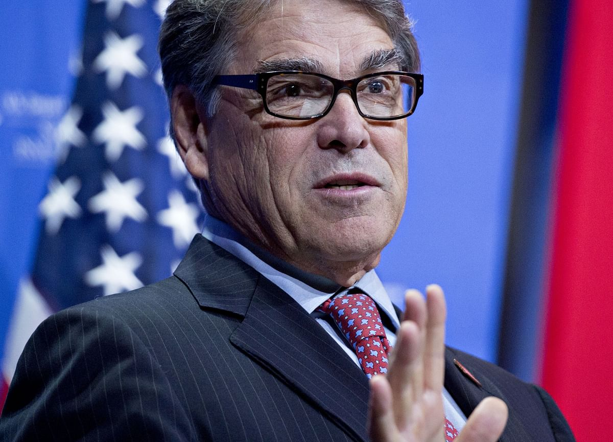 U.S. Has No Plan to Use Oil Reserve to Curb Prices, Rick Perry Says