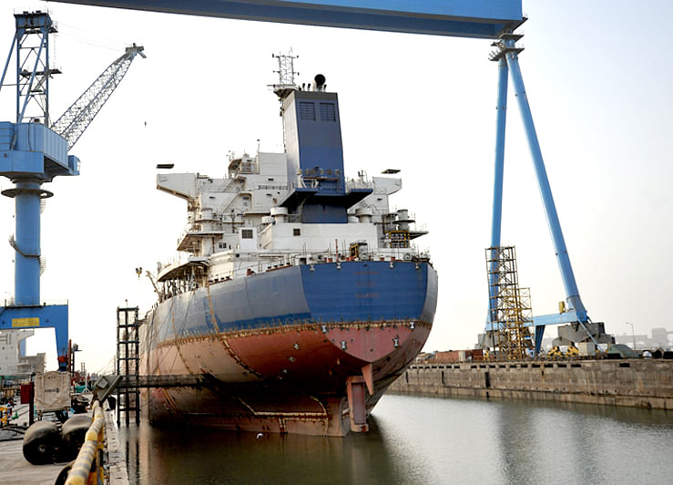 Steel Tycoon Jindal Keen to Acquire Bankrupt Indian Shipyard